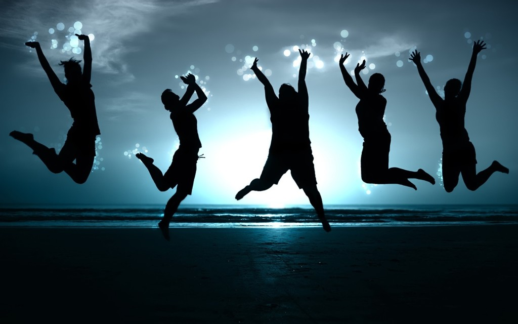 happy_people_jumping_desktop_1680x1050_free-wallpaper-418