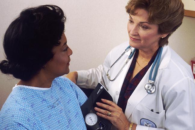doctor_patient-blood-pressure